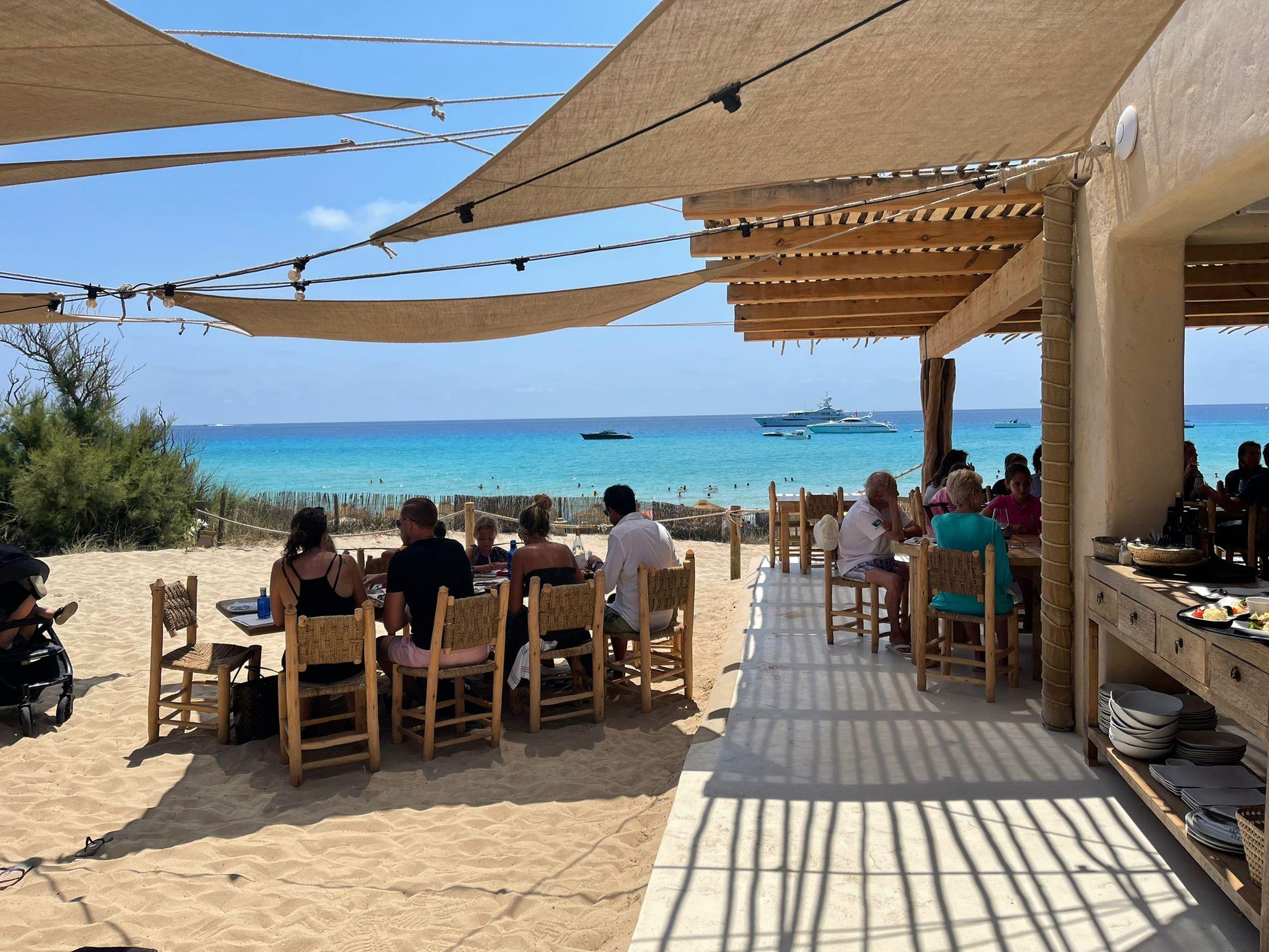 Decoración chiringuito Pacha Formentera